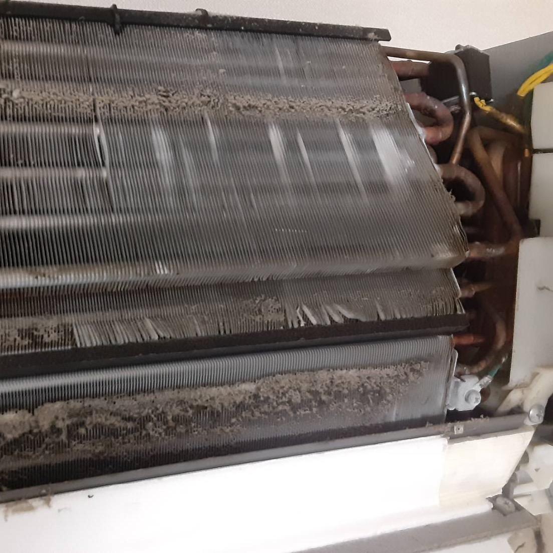 エアコンクリーニング施工写真ビフォーアフター